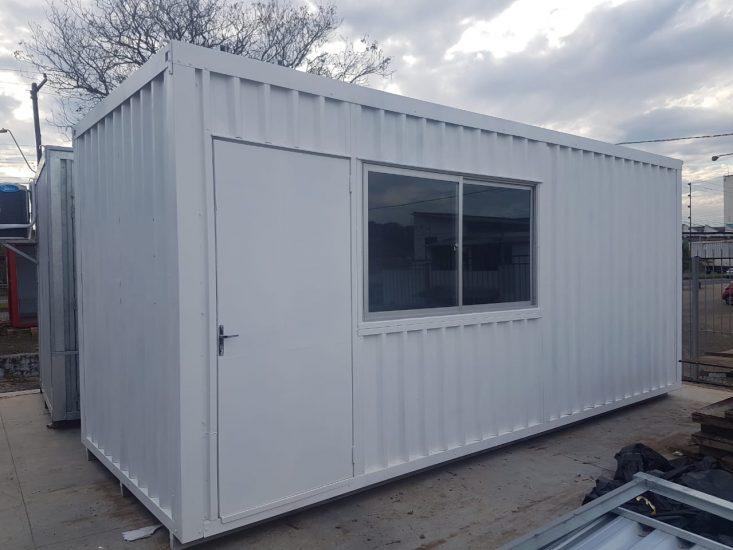 Container 6 mts com janela de correr lateral